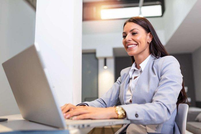 female employee doing a virtual training.jpg