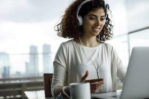 female employee engaging in virtual coaching