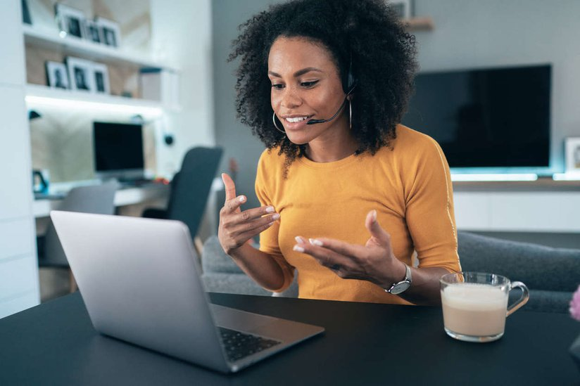 female employee virtual selling.jpg